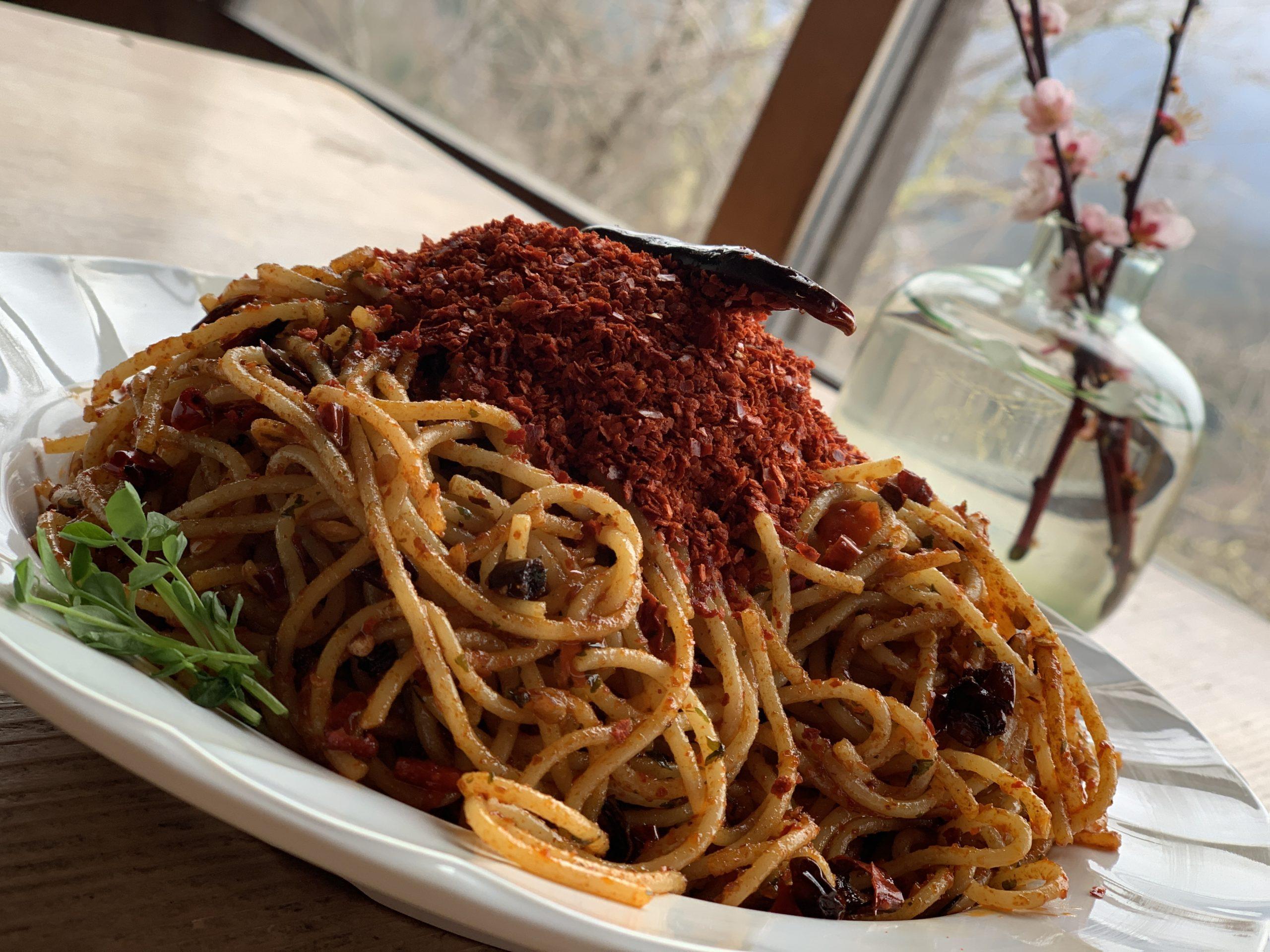 【制限時間10分】世界遺産の地で激辛パスタチャレンジ!【spicy pasta】
