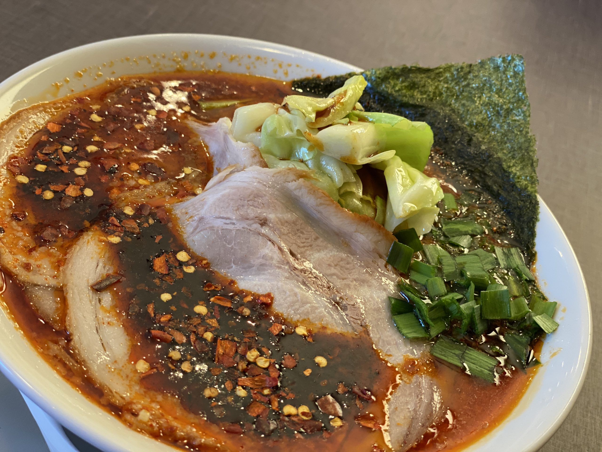 熱々パリパリキャベツ『辛きゃべとん 激辛』にチャレンジしてみた。【Spicy Ramen】